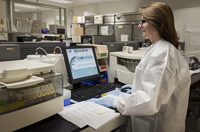 Clinical chemistry analzyer